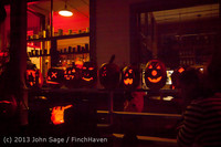 9083 Pumpkin Lighting at the Vashon Roasterie 102713