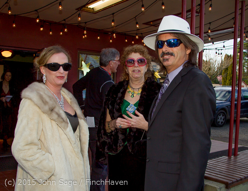 19132-a_Oscar_Night_on_Vashon_Island_2015_022215