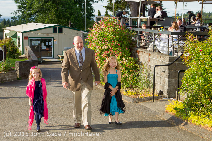 0382_Vashon_Father-Daughter_Dance_2013_Candids_060113