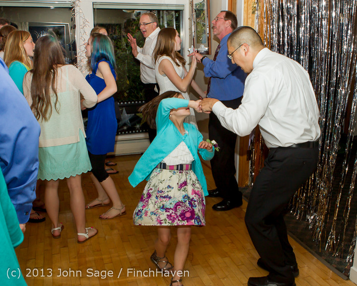 1499_Vashon_Father-Daughter_Dance_2013_Candids_060113