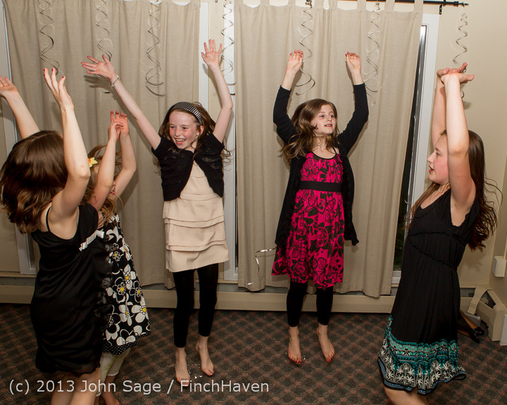 1557_Vashon_Father-Daughter_Dance_2013_Candids_060113