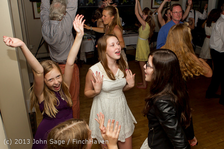 1564_Vashon_Father-Daughter_Dance_2013_Candids_060113