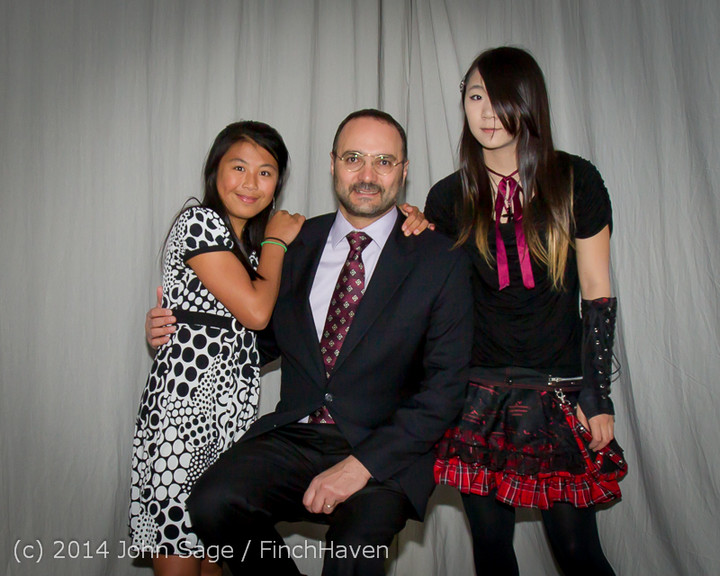 2428-a_Vashon_Father-Daughter_Dance_2014_053114