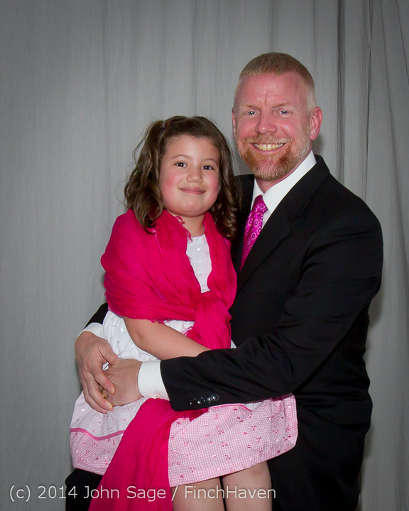 2442-a_Vashon_Father-Daughter_Dance_2014_053114