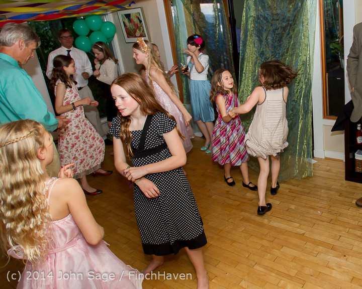 2592 Vashon Father-Daughter Dance 2014 Candids 053114