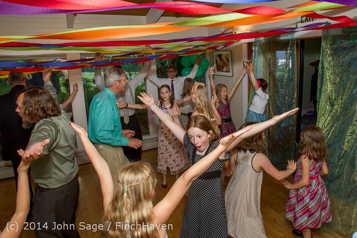 2596 Vashon Father-Daughter Dance 2014 Candids 053114
