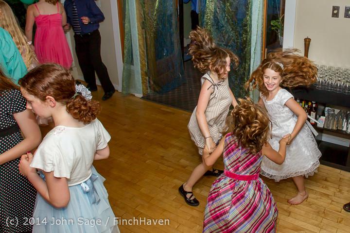 2605 Vashon Father-Daughter Dance 2014 Candids 053114