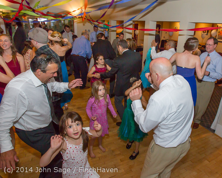 2668_Vashon_Father-Daughter_Dance_2014_Candids_053114