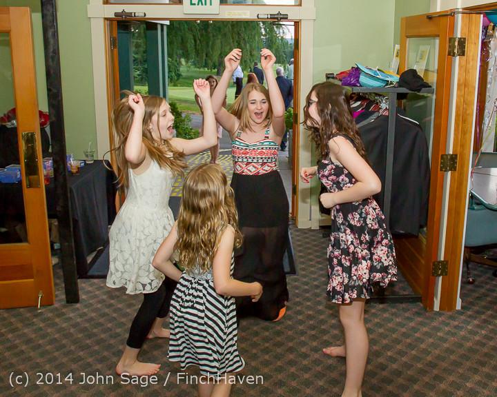 2681_Vashon_Father-Daughter_Dance_2014_Candids_053114