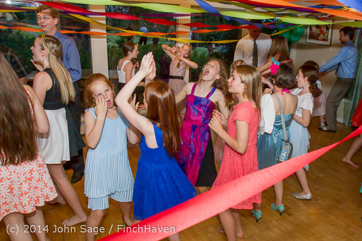 2710_Vashon_Father-Daughter_Dance_2014_Candids_053114