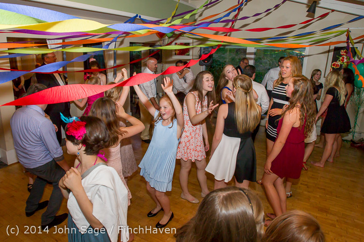 2728_Vashon_Father-Daughter_Dance_2014_Candids_053114
