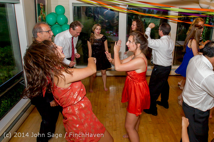 2740_Vashon_Father-Daughter_Dance_2014_Candids_053114