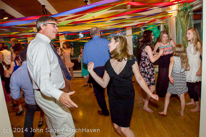 2748_Vashon_Father-Daughter_Dance_2014_Candids_053114