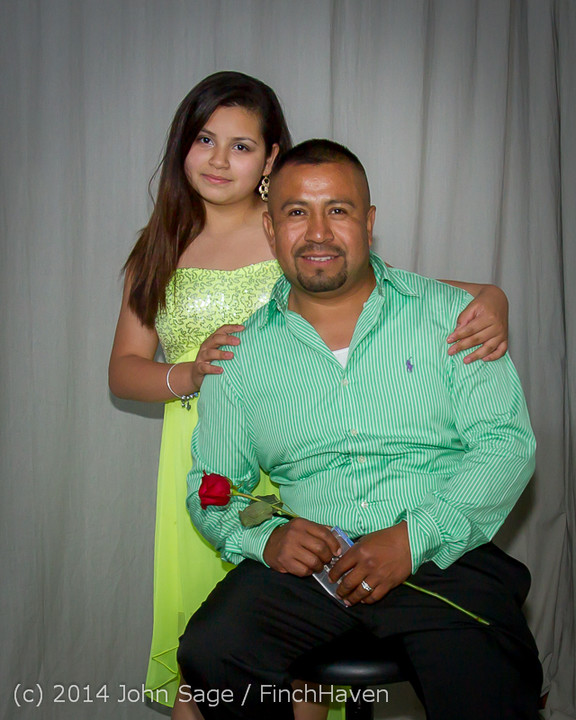 2786-a_Vashon_Father-Daughter_Dance_2014_053114