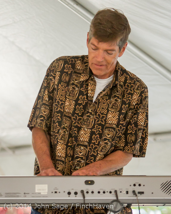 0904_Bill_Brown_King_Bees_Beer_Garden_071914