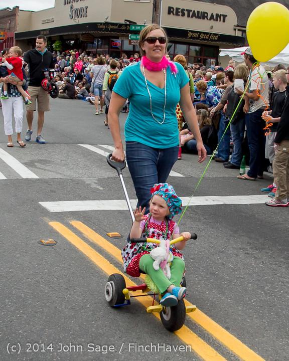 19879 Vashon Strawberry Festival Grand Parade 2014 071914