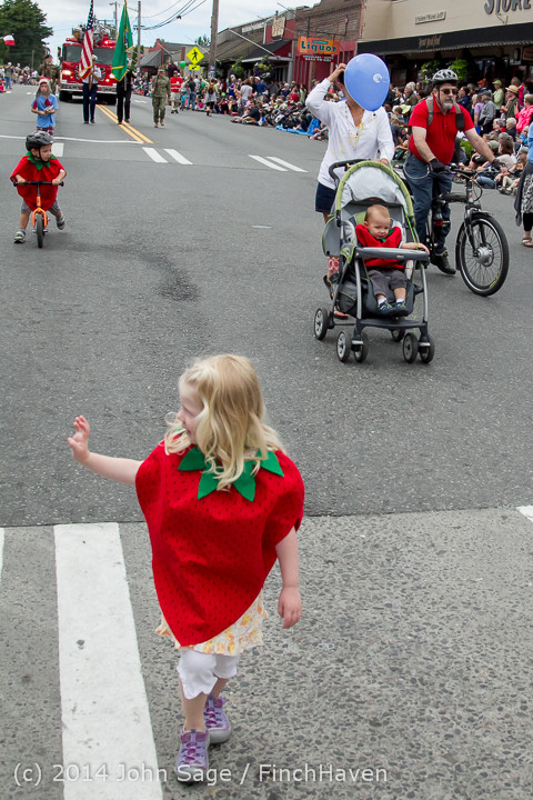 19913 Vashon Strawberry Festival Grand Parade 2014 071914