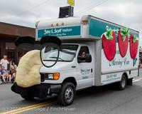 19989 Vashon Strawberry Festival Grand Parade 2014 071914
