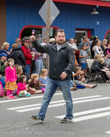 20021 Vashon Strawberry Festival Grand Parade 2014 071914