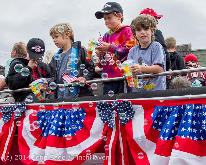 20035 Vashon Strawberry Festival Grand Parade 2014 071914