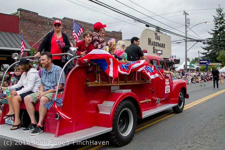20042 Vashon Strawberry Festival Grand Parade 2014 071914