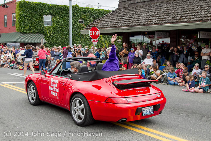 20066 Vashon Strawberry Festival Grand Parade 2014 071914