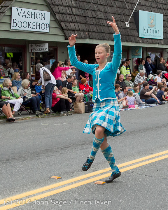 20079 Vashon Strawberry Festival Grand Parade 2014 071914