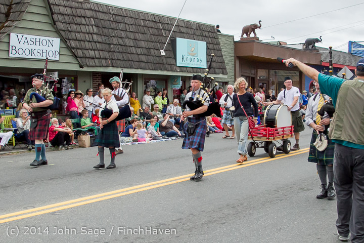 20088 Vashon Strawberry Festival Grand Parade 2014 071914