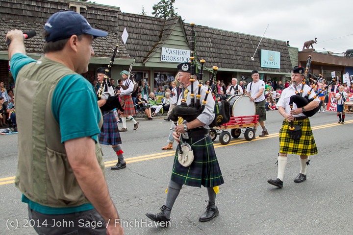 20091 Vashon Strawberry Festival Grand Parade 2014 071914