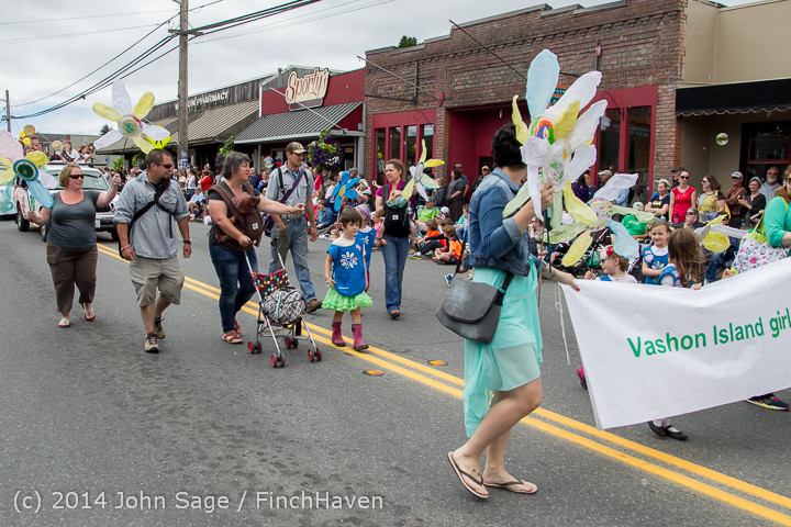 20160 Vashon Strawberry Festival Grand Parade 2014 071914