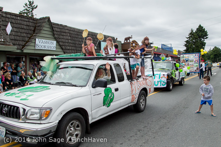 20167 Vashon Strawberry Festival Grand Parade 2014 071914