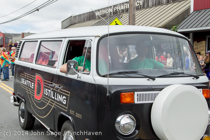 20286 Vashon Strawberry Festival Grand Parade 2014 071914