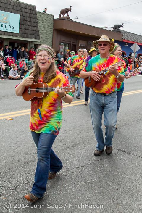 20306 Vashon Strawberry Festival Grand Parade 2014 071914