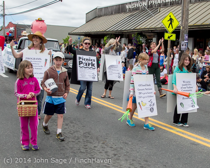 20322-a_Vashon_Strawberry_Festival_Grand_Parade_2014_071914
