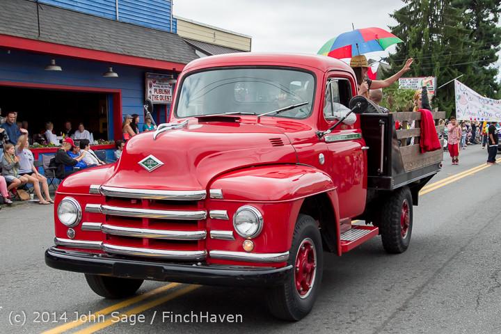 20342 Vashon Strawberry Festival Grand Parade 2014 071914