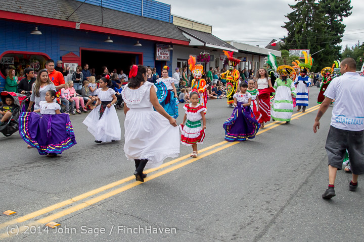 20382 Vashon Strawberry Festival Grand Parade 2014 071914