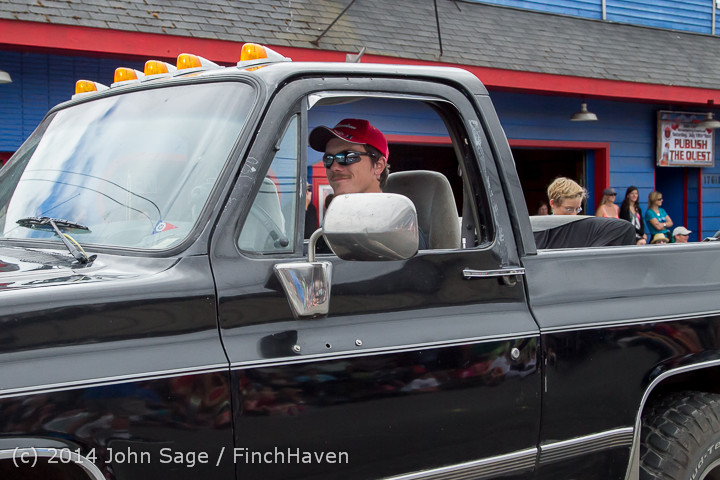 20429 Vashon Strawberry Festival Grand Parade 2014 071914