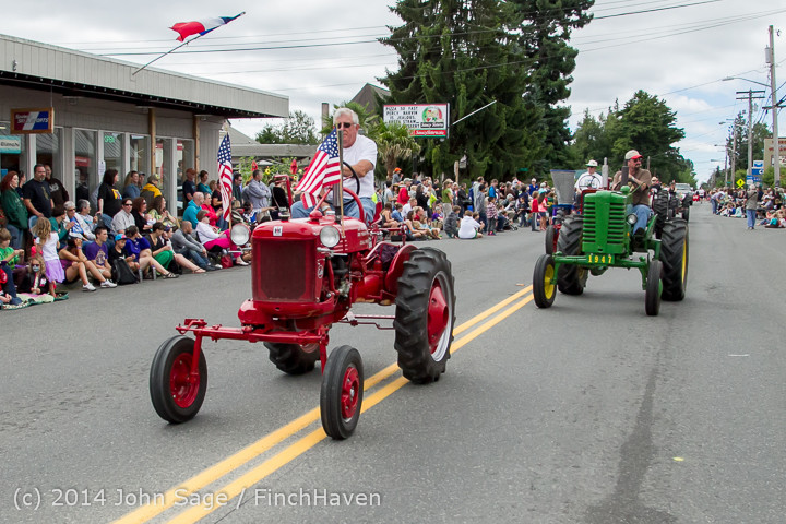 20441 Vashon Strawberry Festival Grand Parade 2014 071914
