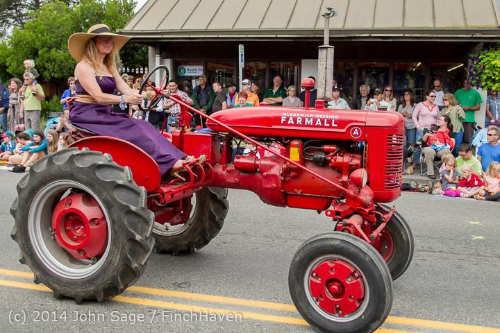 20446 Vashon Strawberry Festival Grand Parade 2014 071914