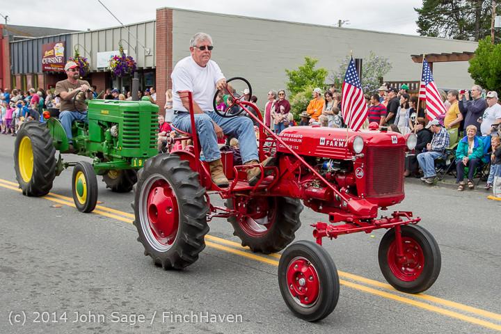 20447 Vashon Strawberry Festival Grand Parade 2014 071914