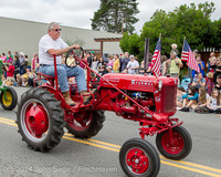 20448 Vashon Strawberry Festival Grand Parade 2014 071914