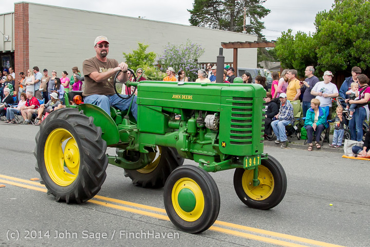 20450 Vashon Strawberry Festival Grand Parade 2014 071914