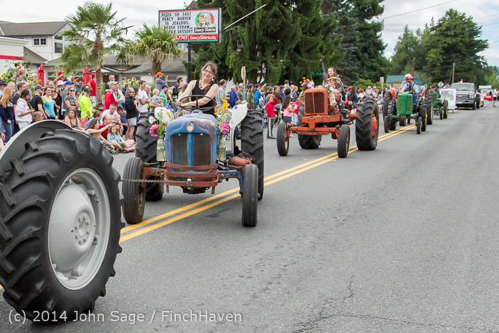 20463 Vashon Strawberry Festival Grand Parade 2014 071914