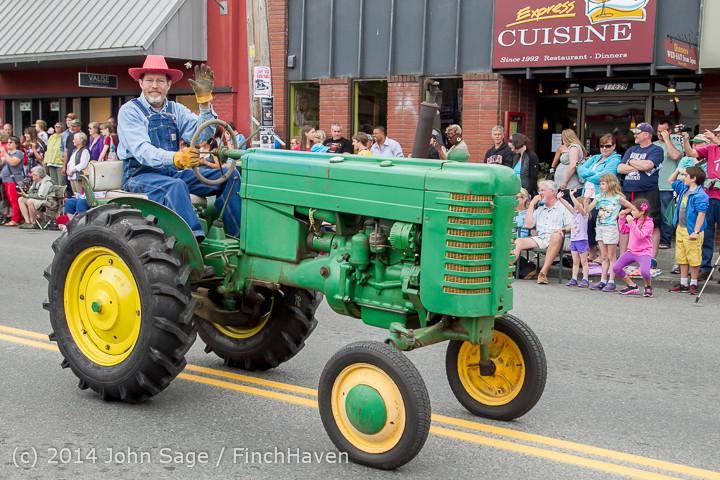 20474 Vashon Strawberry Festival Grand Parade 2014 071914