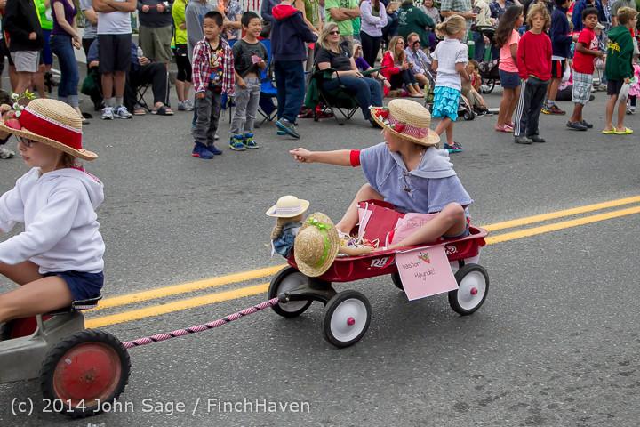 20487 Vashon Strawberry Festival Grand Parade 2014 071914