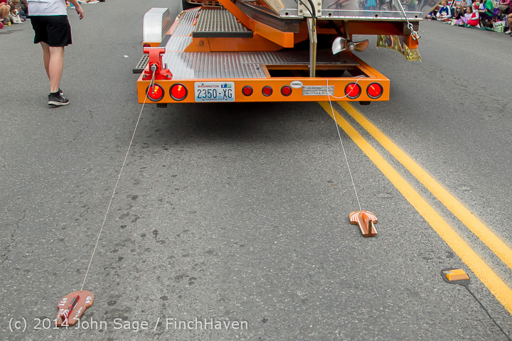 20518 Vashon Strawberry Festival Grand Parade 2014 071914