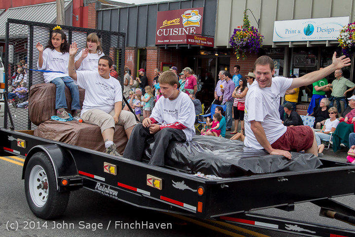 20587 Vashon Strawberry Festival Grand Parade 2014 071914