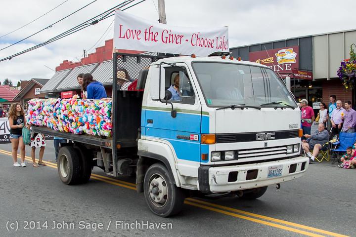 20592 Vashon Strawberry Festival Grand Parade 2014 071914