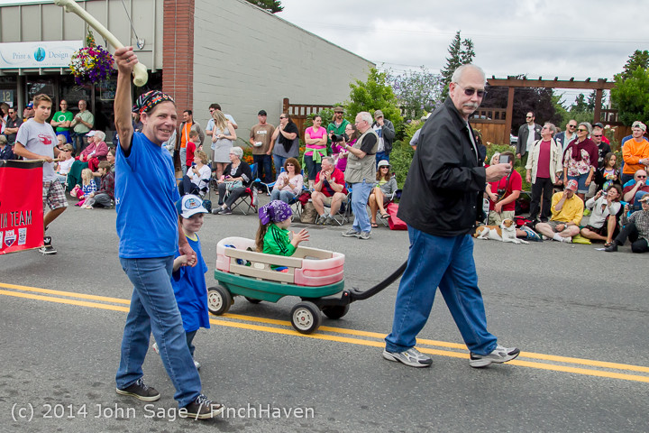 20628 Vashon Strawberry Festival Grand Parade 2014 071914