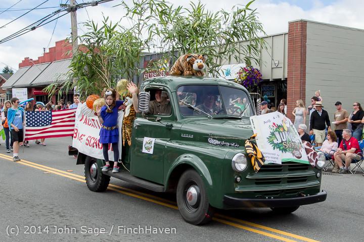20760 Vashon Strawberry Festival Grand Parade 2014 071914